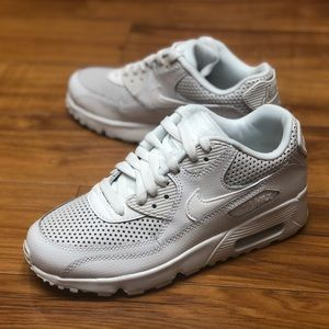 new product ef55b 61375 Nike Shoes - Nike Air Max 90 SE (GS) Summit White Leather